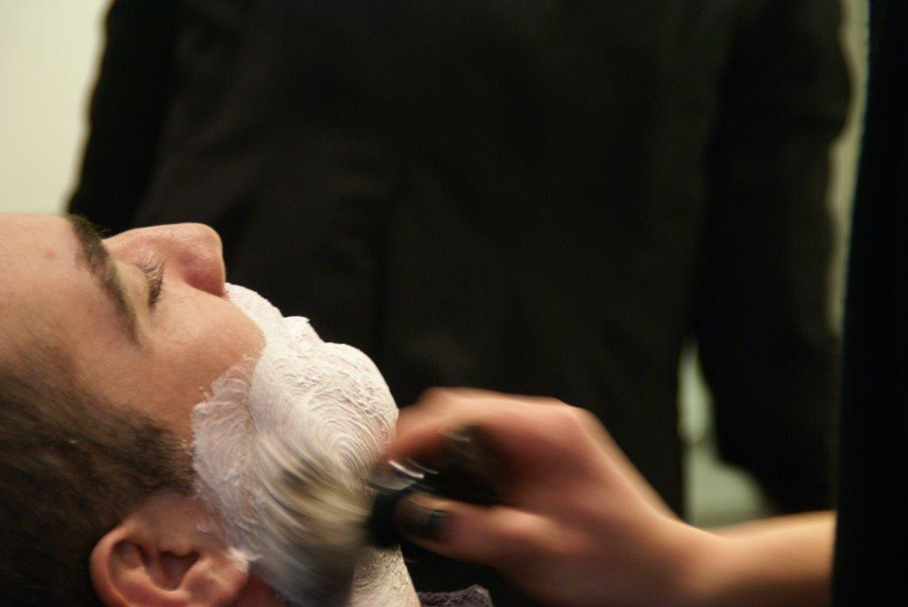 Services Homme : taille de barbe, rasage traditionnel, épilation…